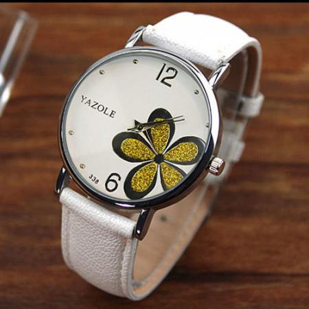 Laikrodis su odine apyranke...